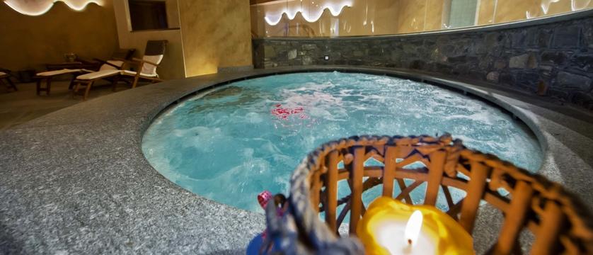 italy_gressoney_sport-hotel-jolanda_jacuzzi.jpg